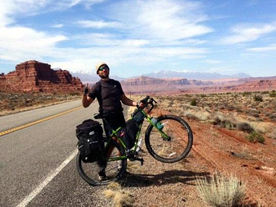 «Восстановившись после ранения, пересек США на велосипеде»: «киборг» Александр Чуб организовывает детские лагеря. александр чуб, велосипед, инвалидность, кіборг, ранение, sky, outdoor, bicycle, mountain, bicycle wheel, land vehicle, wheel, man, bike, vehicle. A man riding a bike down a dirt road