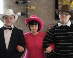 «Они – пришедшие в наш мир ангелы». инвалидность, общество, патологія, синдром дауна, хромосома, fashion accessory, person, fedora, sun hat, cowboy hat, human face, clothing, smile, hat, standing. A man wearing a hat