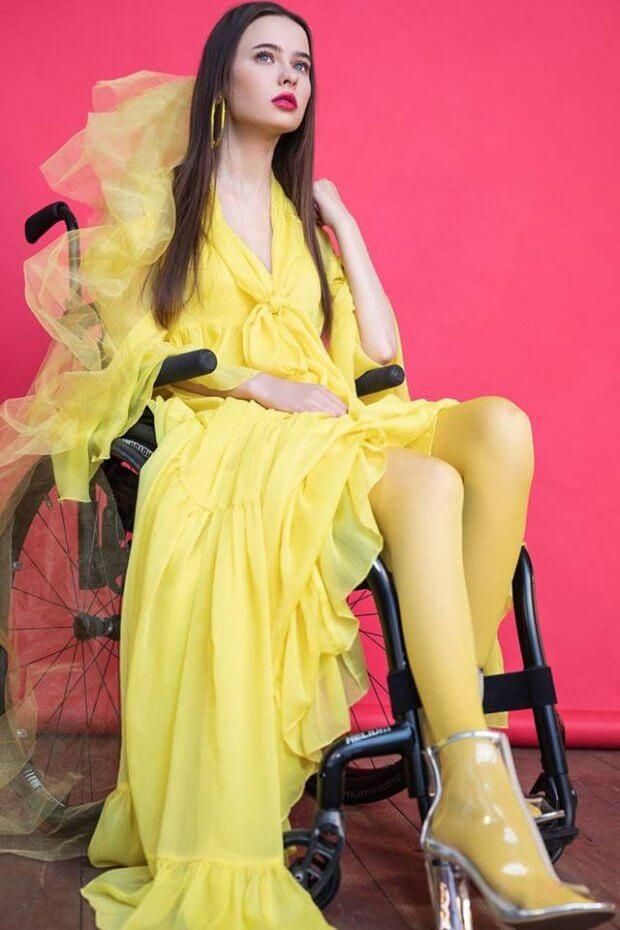 «Потрібно себе любити такою, яка ти є»: киянка після важкої травми стала моделлю на візку. оксана кононець, модель, травма, інвалідний візок, інвалідність