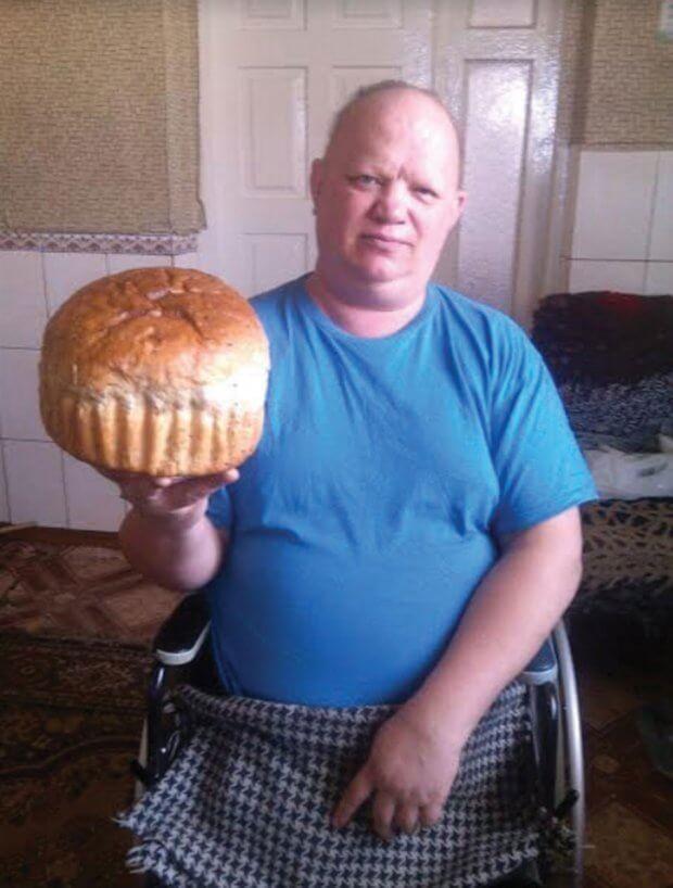 Без ніг у візку пече торти, хліб…. роман процик, взаєморозуміння, кулінарія, підтримка, інвалід