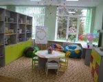 На Рівненщині запрацював 18-й інклюзивно-ресурсний центр. ірц, рівненщина, консультация, людяність, реформа, furniture, floor, indoor, chair, table, shelf, house, green, bookcase, desk. A kitchen with green walls