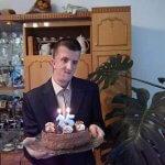 Молодий чоловік із Рівненщини, попри проблеми зі здоров'ям, назбирав у лісі тонни викинутого скла