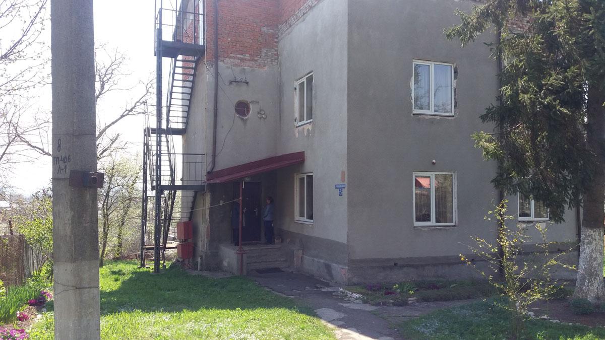У Калуській спеціальній загальноосвітній школі-інтернаті І-ІІІ ступенів №2 на Івано-Франківщині порушуються права дітей на приватність