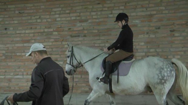 У селі Вишнів на Волині батьки дітей з інвалідністю самотужки облаштовують Центр з іпотерапії. вишнів, кінь, лікування, інвалідність, іпотерапія