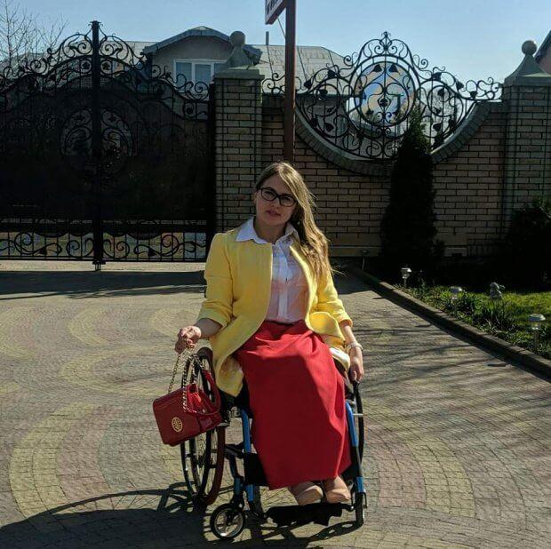 """Прикарпатки на інвалідних візках змагаються за титул """"Королева Інтернету"""". королева прикарпаття 2019, міс інтернет, голосування, номінація, інвалідний візок"""