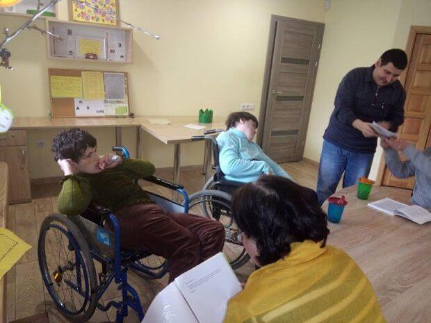 «Лярш» у Львові: як люди з розумовою неповносправністю вчать інших жити серцем. жан ваньє, львів, лярш, спільнота, неповносправність