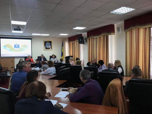 На Миколаївщині триває робота зі створення безперешкодних умов на соціально-важливих об'єктах для маломобільних груп населення. миколаївщина, доступність, засідання, інвалідність, інфраструктура