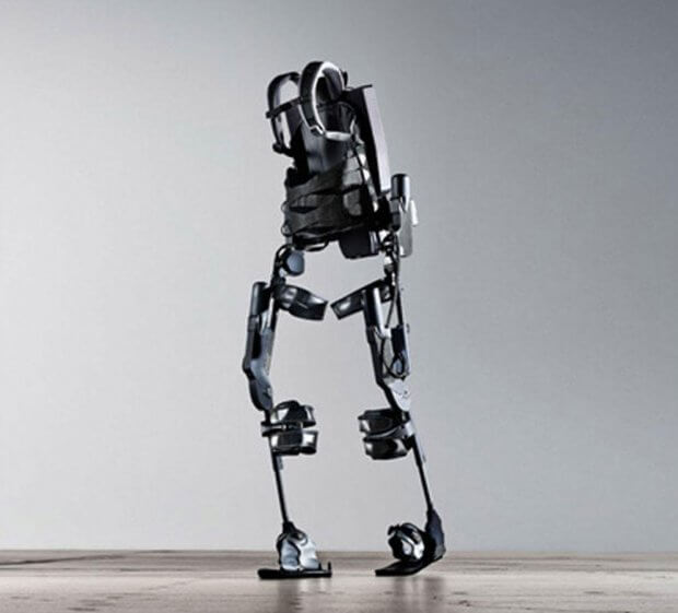 Французская компания создала экзоскелет, которым можно пользоваться без помощи костылей. atalante, wandercraft, инвалидное кресло, устройство, экзоскелет