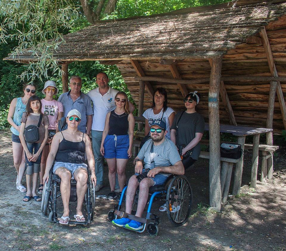 На Тернопільщині люди з інвалідністю… здійснили сплав по річці Дністер