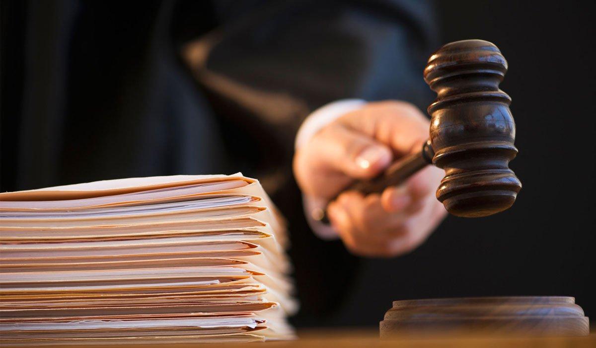 Суд відмовився пом'якшити запобіжний захід лікарю-експерту, який вимагав хабар в учасника АТО