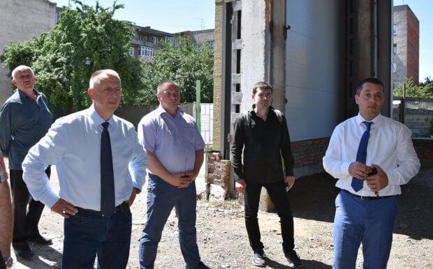 Петро Грицик відвідав недобудований спортивно-реабілітаційний центр в Ужгороді. ужгород, будівництво, спортивно-реабілітаційний центр, фінансова підтримка, інвалід ато