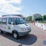 Світлина. У Кам'янському з'явилась нова транспортна послуга – «Соціальне таксі». Безбар'ерність, пандус, соціальне таксі, транспорт, підйомник, Кам'янське