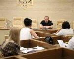Підприємствам, що працевлаштовують осіб з інвалідністю, надано право пільгового оподаткування. запоріжжя, засідання, підприємство, пільгове оподаткування, інвалідність, person, table, sitting, indoor, people, furniture, clothing, human face, group, working. A group of people sitting at a table