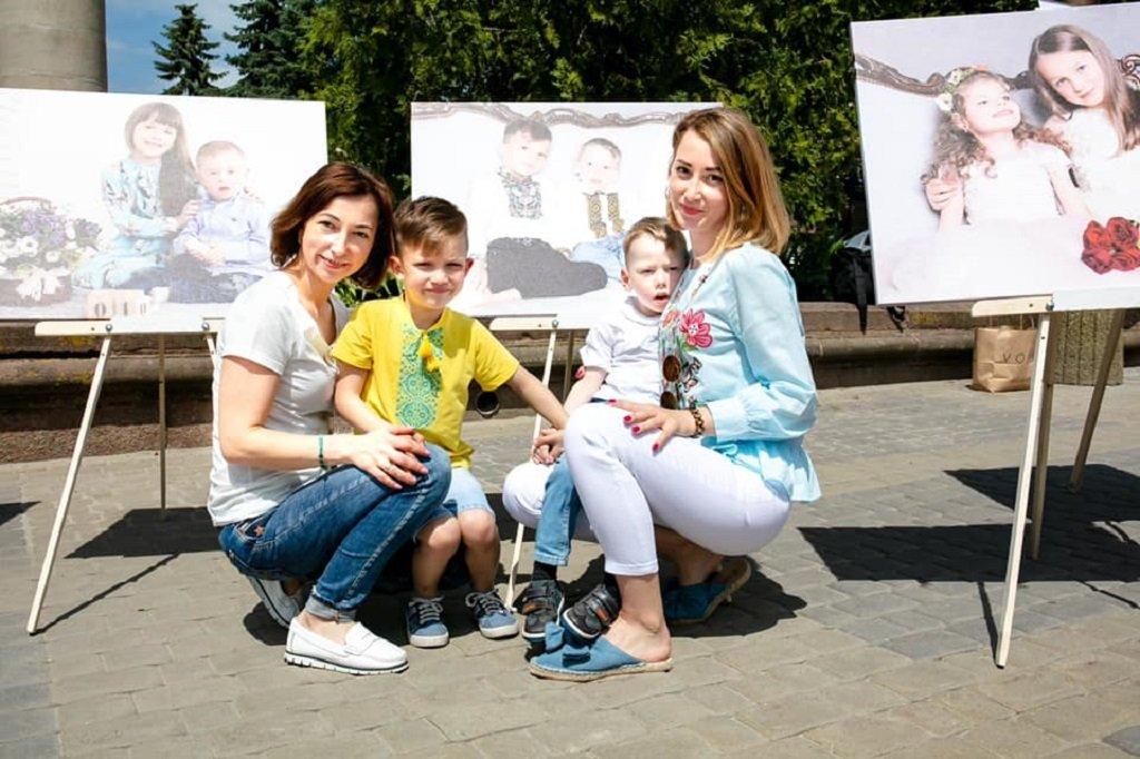 У Тернополі за допомогою фотопроекту показали, що усі обмеження лише в нашій уяві (ФОТО)