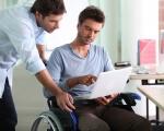 Успішне працевлаштування осіб з інвалідністю – заслуга кар'єрних радників. никополь, кар'єрний радник, працевлаштування, центр зайнятості, інвалідність, person, computer, clothing, laptop, man, seat, chair. A man sitting at a table using a laptop
