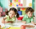 У Тернополі вже рік функціонує Інклюзивно-ресурсний центр для дітей з особливими освітніми потребами. тернопіль, забезпечення, особливими освітніми потребами, супроводження, інклюзивно-ресурсний центр, toddler, table, child art, person, child, indoor, baby, girl, human face, boy. A small child sitting on a table