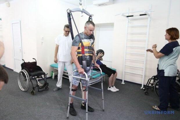 На програму протезування уряд направив 1,2 мільярда – Гройсман. харківський нді протезування, воїн, протез, реабілітація, інвалідність
