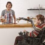 Канадці створили роборуку для інвалідного крісла (ВІДЕО)