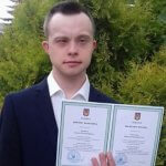 Перший українець із синдромом Дауна здобув вищу освіту