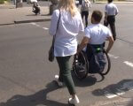 Заклади Черкас перевіряли на доступність для маломобільних людей (ВІДЕО). дмитро щербатюк, черкаси, доступність, перевірка, інвалідність