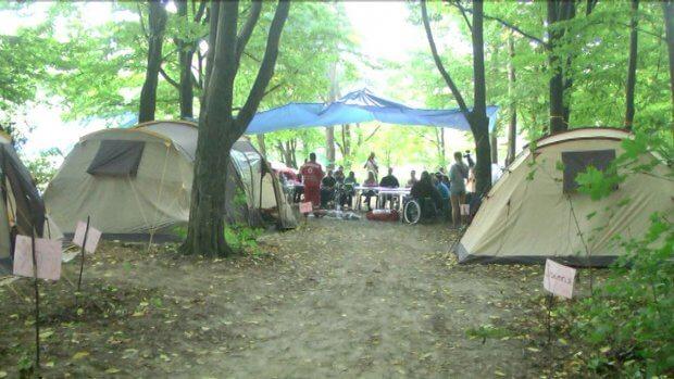 У лісі під Вінницею облаштували наметовий табір для молоді на візках. вінниця, наметовий табір, соціалізація, інвалідний візок, інвалідність
