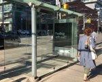 Для залучення уваги до проблем інклюзії в канадському Торонто встановили скляну зупинку, в яку неможливо увійти. торонто, автобусная остановка, дискримінація, инвалидность, инклюзия