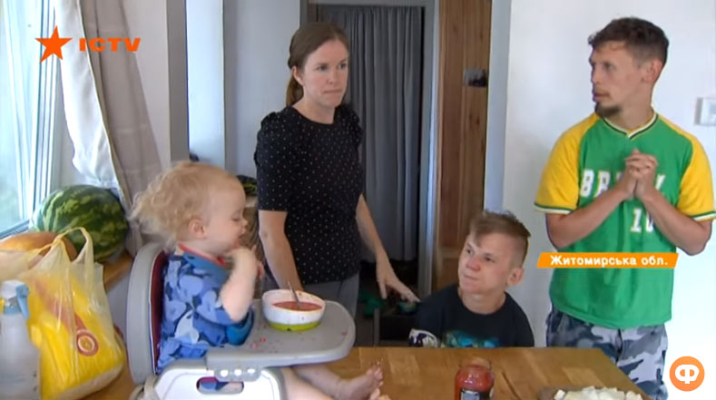 В інтернаті жили, як тварини. Родина зі США переїхала в Україну і всиновила хворих дітей (ВІДЕО)