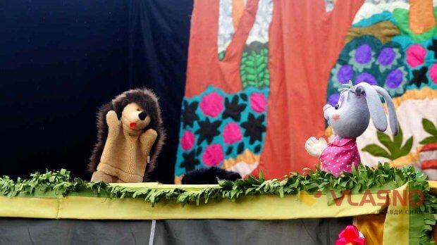 Унікальну лялькову виставу побачили вінничани. вінниця, вистава, жестова мова, порушення слуху, суспільство
