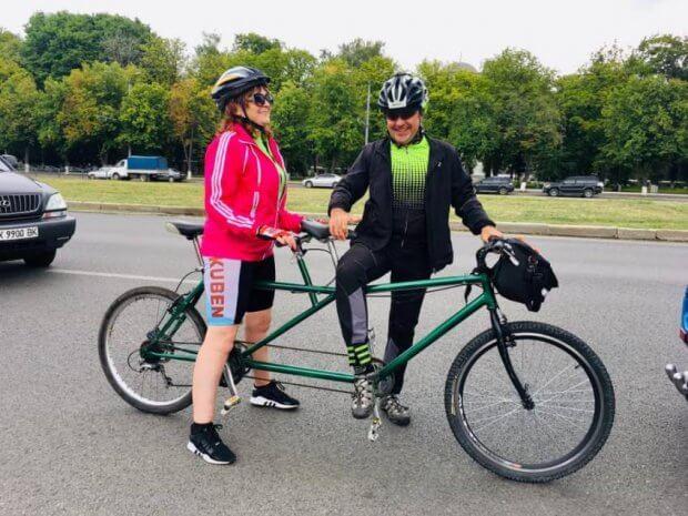Двоколісна інклюзія: унікальний велопробіг пройшов на Харківщині. бачу можу допоможу, харківщина, велопробіг, незрячий, інклюзія