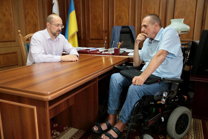 Денис Шмигаль призначив Миколу Макара своїм позаштатним радником з питань соціального захисту осіб з інвалідністю. івано-франківська область, микола макар, доступність, радник, інвалідність