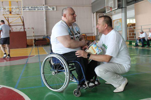 Чоловік, який більше 30 років на візку, був чемпіоном 13 років з пауерліфтингу