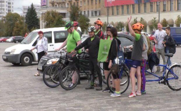 Велопробег «Вижу! Могу! Помогу!» стартовал в Харькове. вижу! могу! помогу!, харьков, велопробег, инвалидность, нарушение зрения