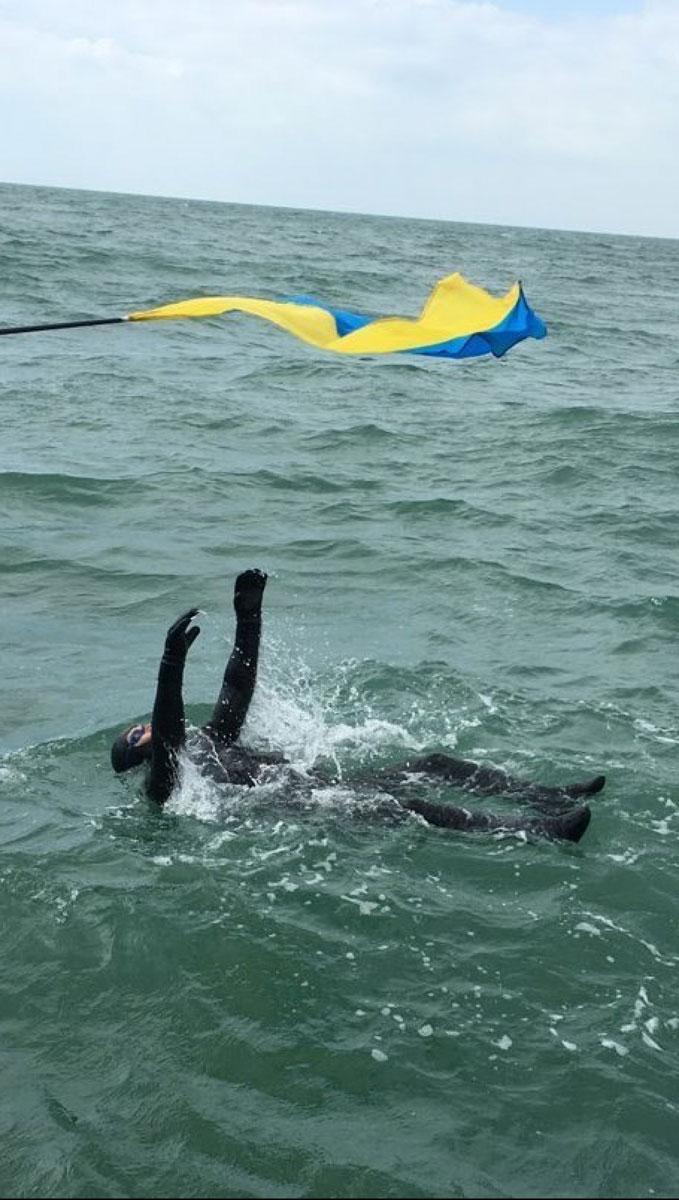 Паралімпієць, що підкорив Ла-Манш: рекордсмен розповів, як відбувався заплив і які плани на майбутнє (ВІДЕО)