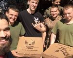 Український захисник, який возить піцу побратимам на передову (ФОТО, ВІДЕО). олексій качко, військовослужбовець, кав'ярня, піцерія, інвалідність