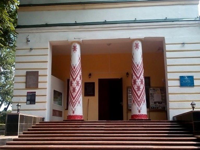 В трьох музеях Харківщини створять нові аудіогіди для незрячих відвідувачів