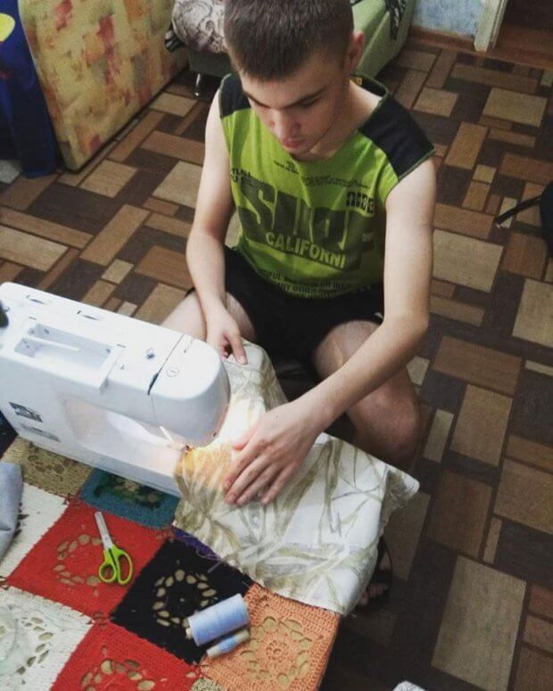 Особенные вещи от особенных творцов: в Днепре люди с аутизмом создают экосумки ручной работы. днепр, аутизм, волонтер, мастерская кебета, сумка