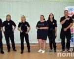 Поліцейські Краматорська і Слов'янска отримали сертифікати зі знання жестової мови. краматорськ, слов'янськ, жестова мова, поліцейський, порушення слуху