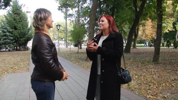 26-річна полтавка Мілана Брижак усе своє життя допомагає нечуючій мамі спілкуватися із людьми. мілана брижак, жестова мова, нечуючий, порушення слуху, спілкування
