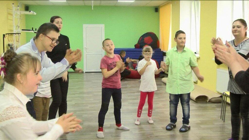 У Вінниці для дітей-аутистів та з синдромом Дауна відкрили театральну студію (ВІДЕО). вінниця, дитина-аутист, заняття, синдром дауна, театральна студія