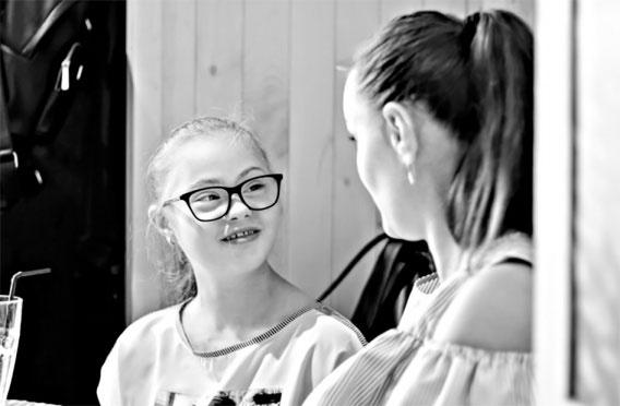 История Солнечной девочки, которая ходит в обыкновенную школу. инклюзивное обучение, инклюзия, общество, особыми образовательными потребностями, синдром дауна