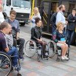 Місто, доступне кожному: в центрі Полтави вчилися допомагати маломобільним пасажирам громадського транспорту (ФОТО)