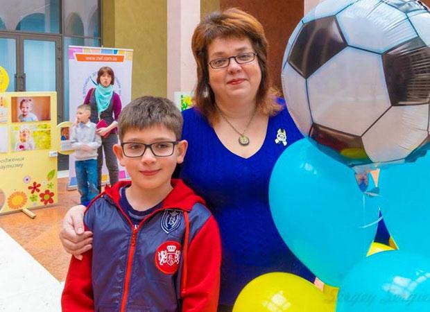 Як правильно виховувати дітей з аутизмом. інна сергієнко, аутизм, комунікація, соціалізація, суспільство