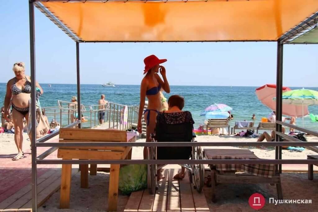 К концу сезона одесские чиновники так и не благоустроили до конца пляж для инвалидов (ФОТО). одесса, благоустройство, инвалидность, пандус, пляж