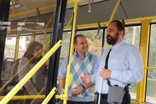 Місто, доступне кожному: в центрі Полтави вчилися допомагати маломобільним пасажирам громадського транспорту. полтава, громадський транспорт, семінар, суспільство, інвалідність