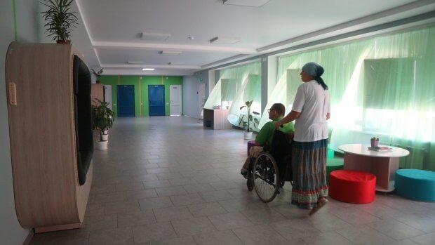 Школи не для всіх: як у Кропивницькому здобувають освіту діти з інвалідністю. кропивницький, візочник, доступність, школа, інвалідність
