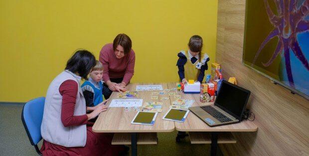 На Дніпропетровщині майже 1,6 тис особливих дітей відвідують звичайні школи та дитсадки. дніпропетровщина, особливими освітніми потребами, соціалізація, інклюзивна освіта, інклюзія