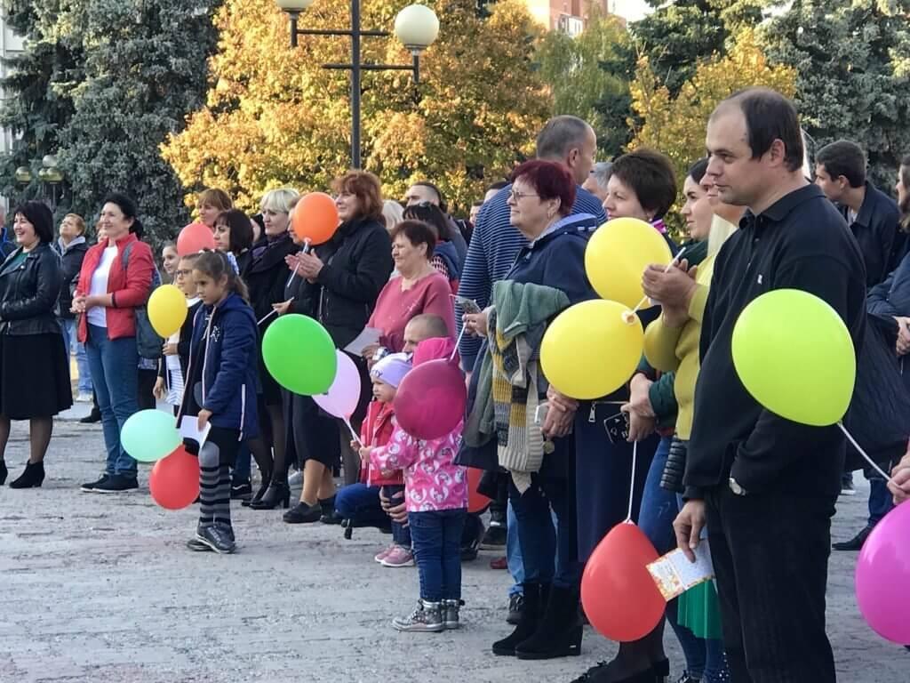 У Полтаві вперше організували фестиваль жестової мови (ФОТО). полтава, жестова мова, нечуючий, порушення слуху, фестиваль