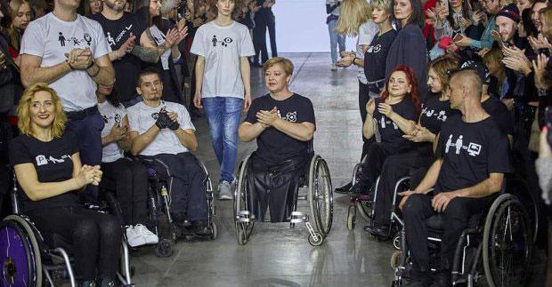 На «Kharkiv Fashion» відбудеться дебют інклюзивного модельного агентства. kharkiv fashion, модельне агентство, подіум, проєкт, суспільство