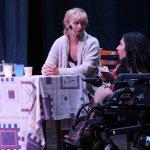 У Запоріжжі інклюзивна театральна трупа представила новий спектакль