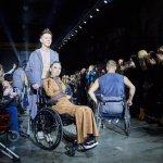 Люди на інвалідних візках підкорили подіум у Харкові: яскраві фото та відео